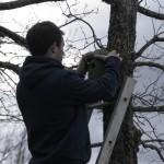 Oasi Ghirardi aprile 2012 (053) attività di installazione di nidi artificiali