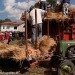 Fiera del Fungo Albareto 09-09-2012 (411) Antica trebbiatura