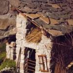 Montegroppo Presepe Angelo Pavesi Natale 2012 (164) cascina fieno (a casinna)