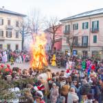 Bedonia Carnevale 2013 p3 (308) falò. fuoco