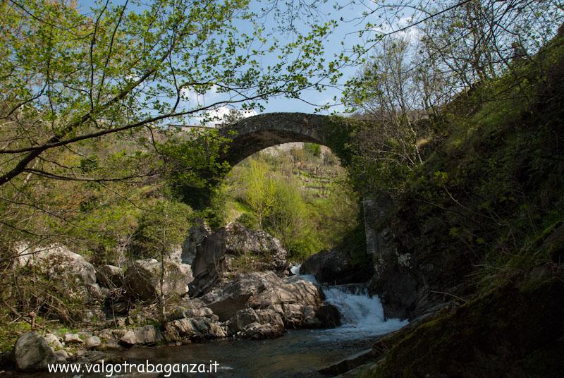 Ponte Groppodalosio via Francigena Pontremoli (104)