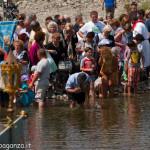 Compiano Val Taro 2013-07-07 (272) fedeli acqua
