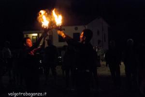 Fiera Fungo Albareto 2013-09-06 Giocolieri Fuoco (102) Coppe di fuoco