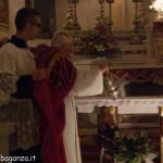 San Terenziano Isola Compiano 2013 (193) incensare altare