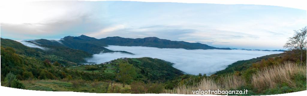panoramica 2013-10-05 nebbia Val d'Aveto cartolina (2)