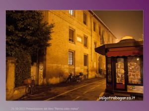 21-10-2013 Parma color Malva (256) chiosco
