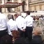 Video: Udienza di mercoledì 10 ottobre 2004 (Canto e parole del Papa) - Papa Giovanni Paolo II (Karol Wojtyla) - Coro Voci della Val Gotra (Albareto - Parma) - piazza San Pietro a Roma - video valgotrabaganza