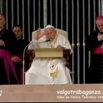 Video: Udienza di mercoledì 10 ottobre 2004 (Benedizion) - Papa Giovanni Paolo II (Karol Wojtyla) - Coro Voci della Val Gotra (Albareto - Parma) - piazza San Pietro a Roma - video da Centro Televisivo Vaticano