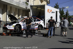 Rally Taro 2014 pre-gara (223) meccanici piloti