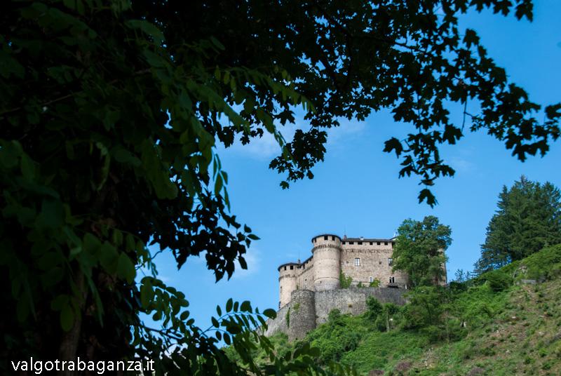 Compiano pr il borgo e l affascinante castello for Mainini arreda e illumina parma pr