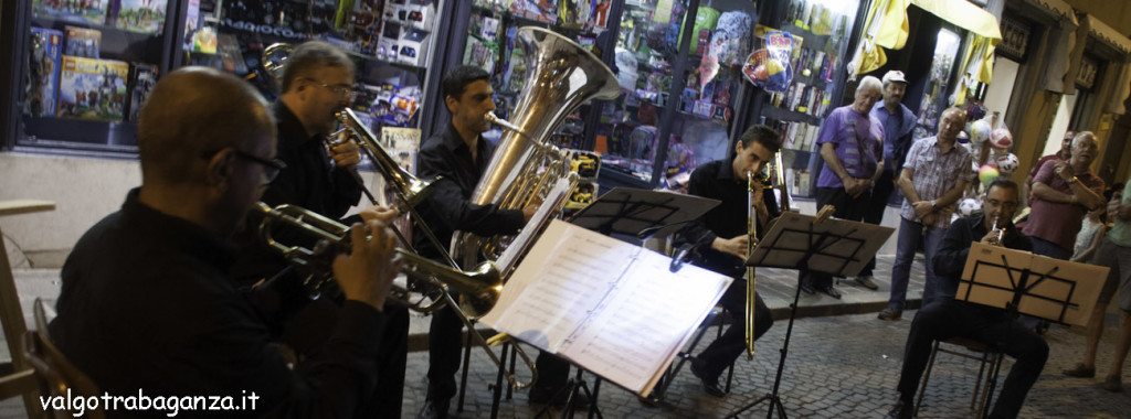 Shopping sotto le stelle (147) musica