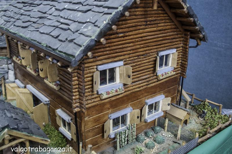 Modellismo casette villette chalet e baite di legno for Casette di legno del paese