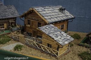Modellismo legno case tavolo consolle allungabile for Costruire case online