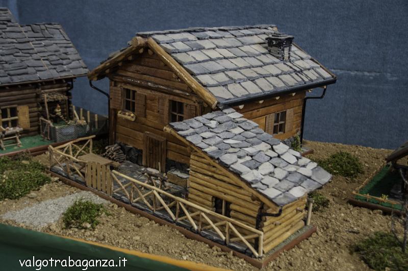 Modellismo casette villette chalet e baite di legno for Disegni di case di tronchi