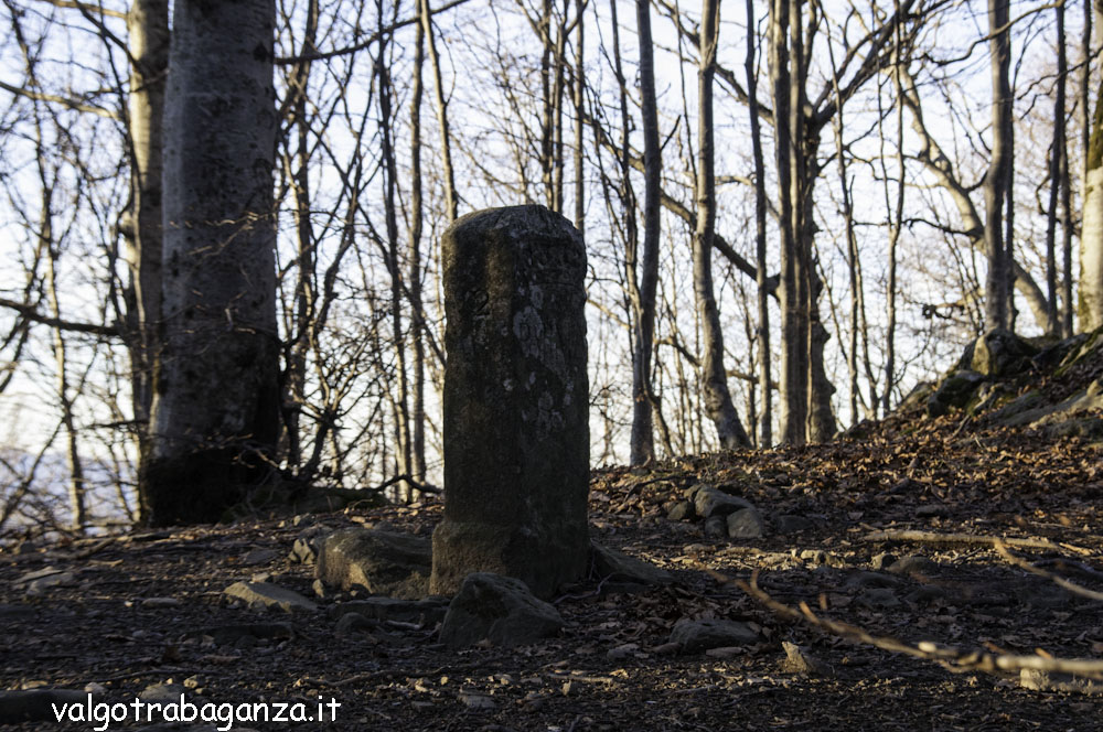 Monte Gottero (152) cippo