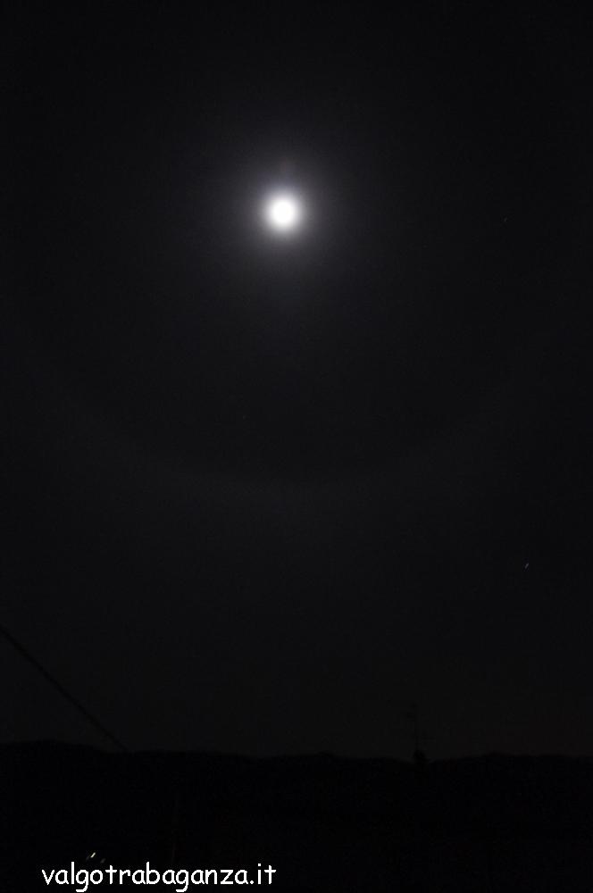 Luna con alone (102)