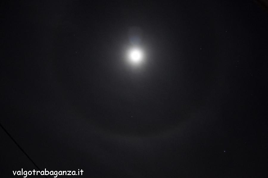 Luna con alone (107)