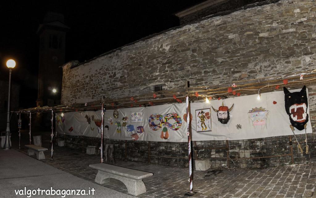 Varsi (100) Panoramica maschera carnevale