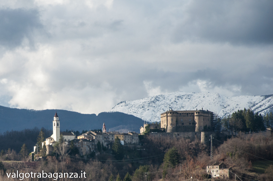 Borgo Chiesa Castello Compiano (123)  Monte Ragola