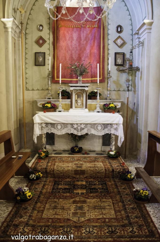 Folta Albareto (106) Altare reposizione