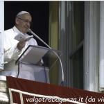 Papa Francesco (101) dono Vangelo tascabile