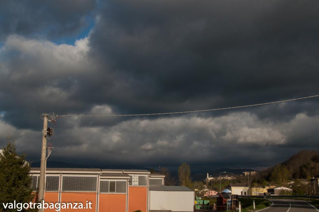 Nuvole minacciose (102) Compiano