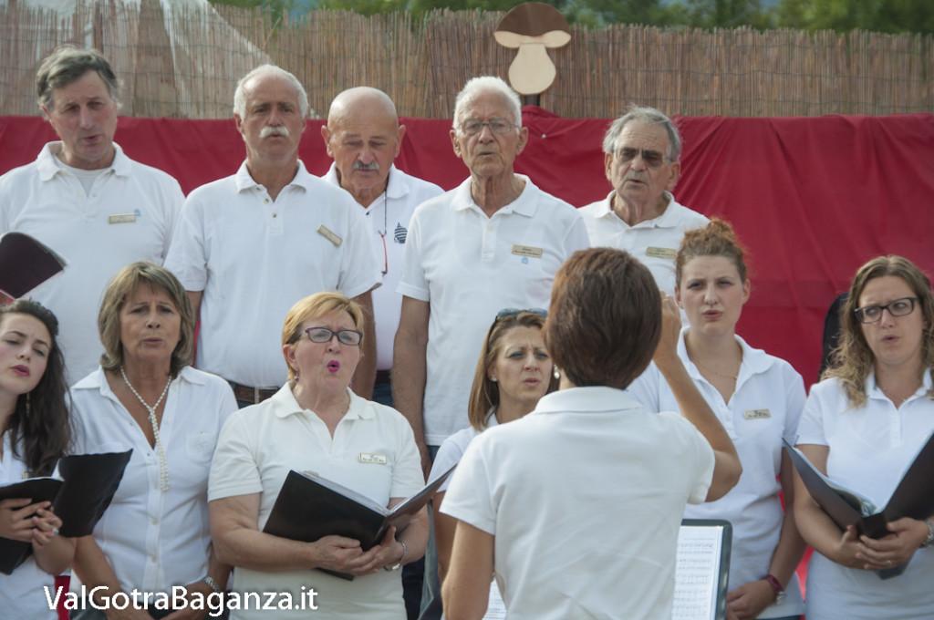 Coro Voci della Val Gotra (156) Fiera Fungo Porcino Albareto