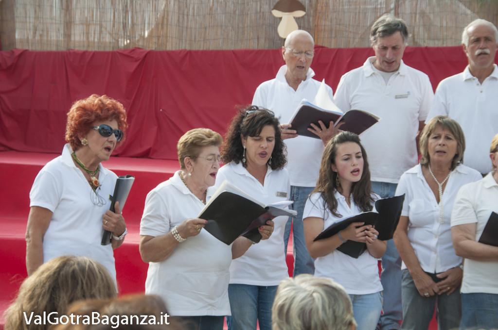 Coro Voci della Val Gotra (158) Fiera Fungo Porcino Albareto