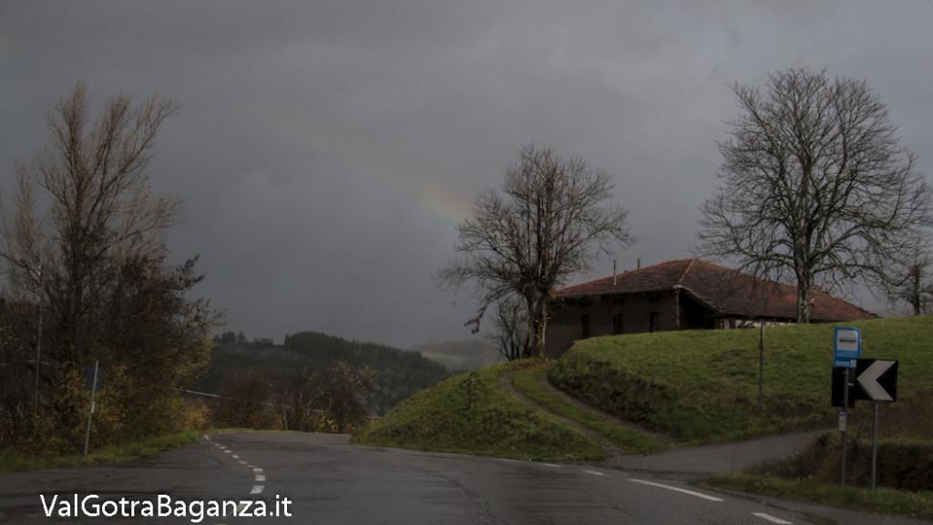 Arcobaleno (102) Case Mazzetta Albareto