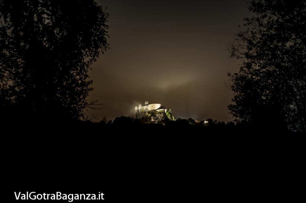 Notte foschia Castello (109) Bardi