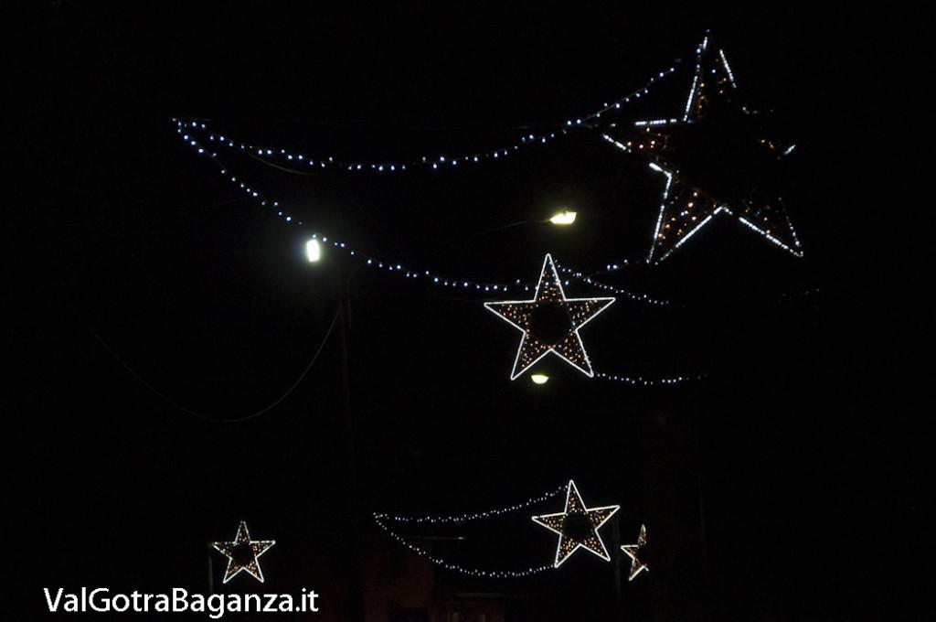 Albareto (135) Natale luminarie