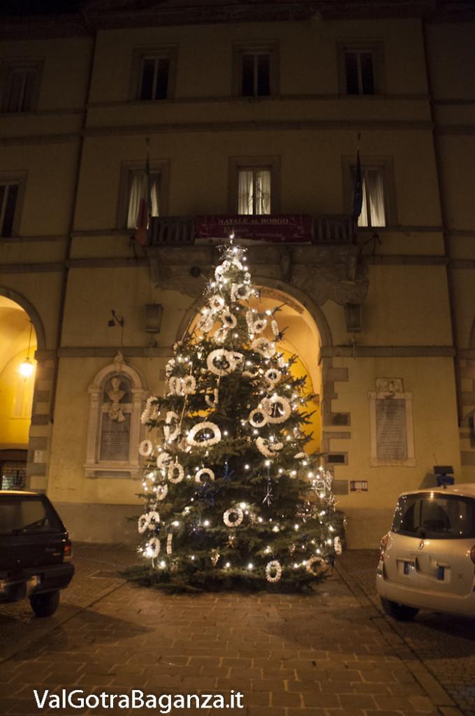 Borgotaro (148) Natale luminarie
