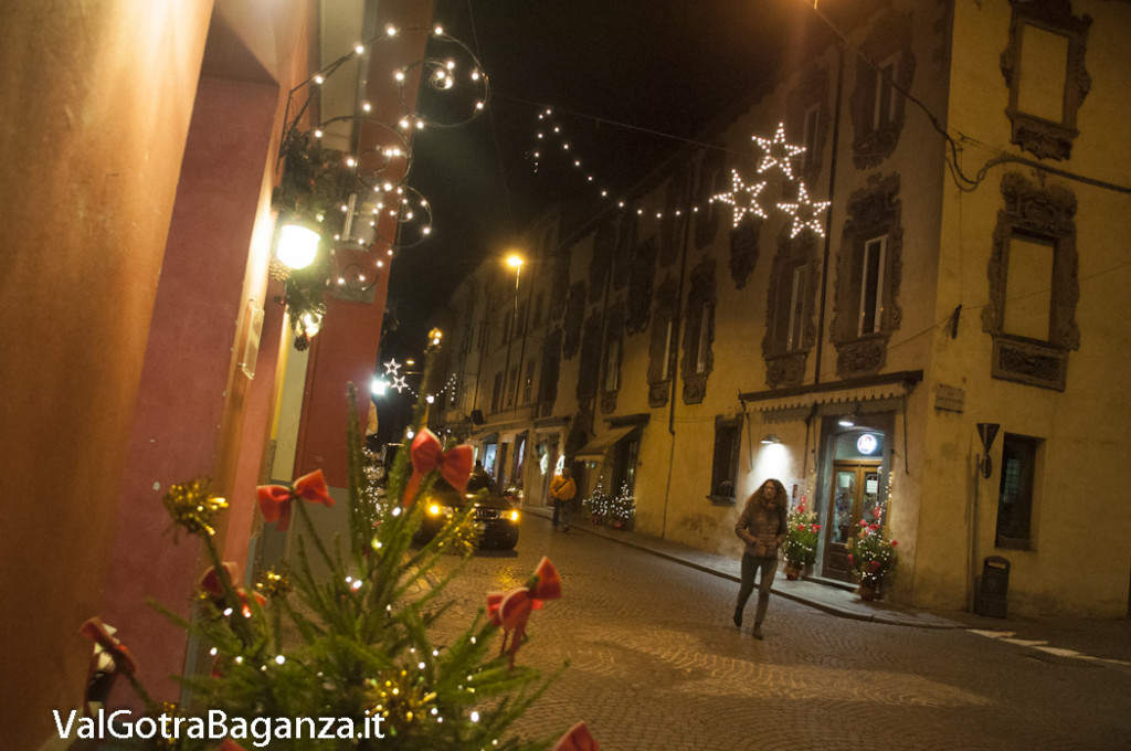 Borgotaro (214) Natale luminarie