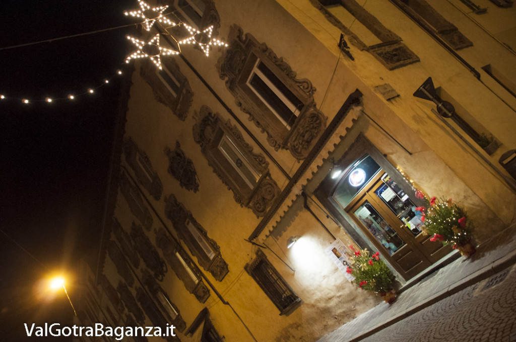 Borgotaro (215) Natale luminarie