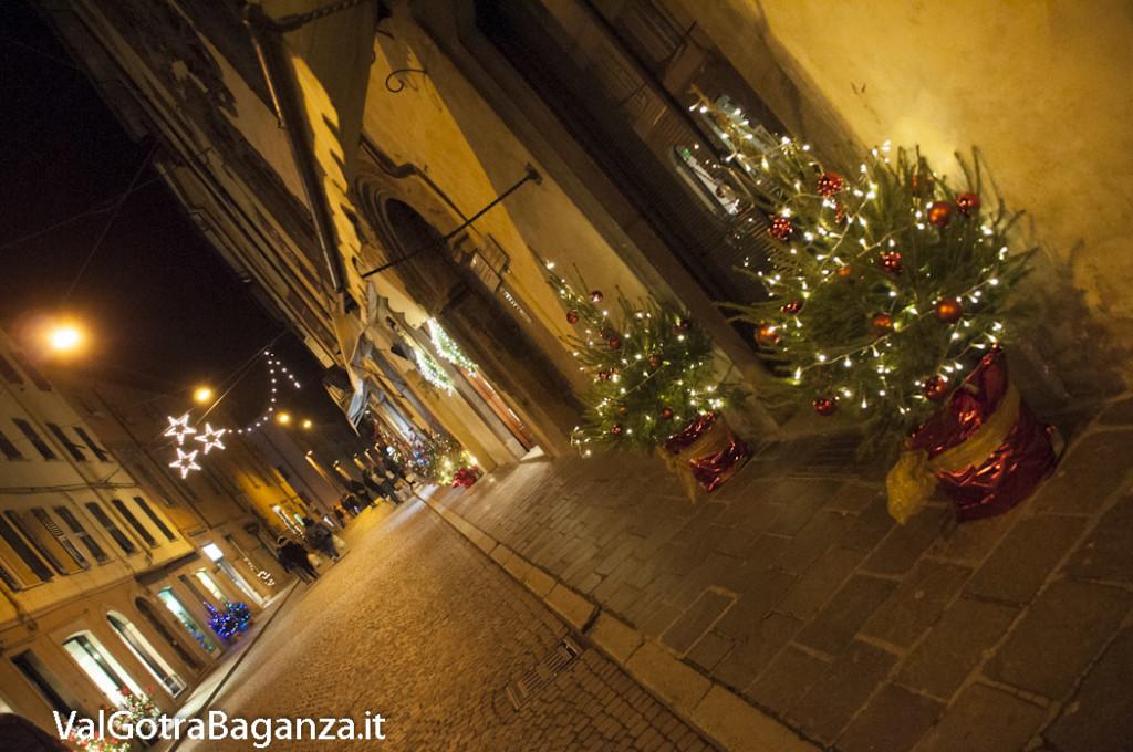 Borgotaro (217) Natale luminarie