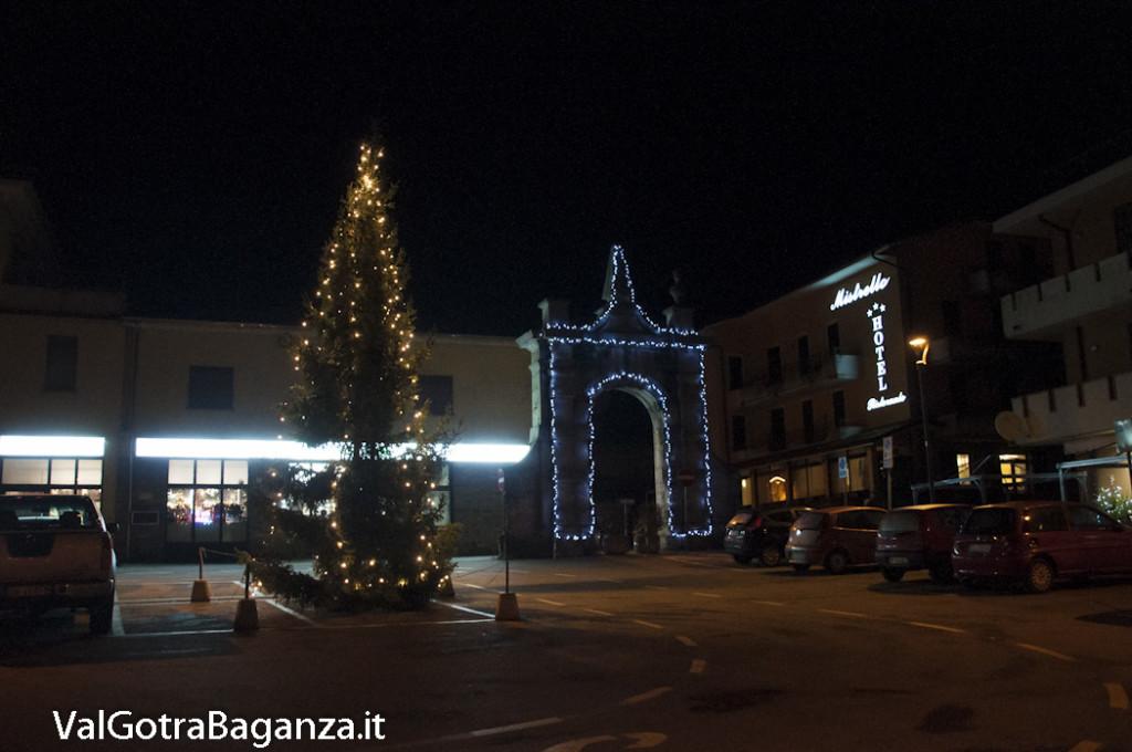 Borgotaro (235) Natale luminarie