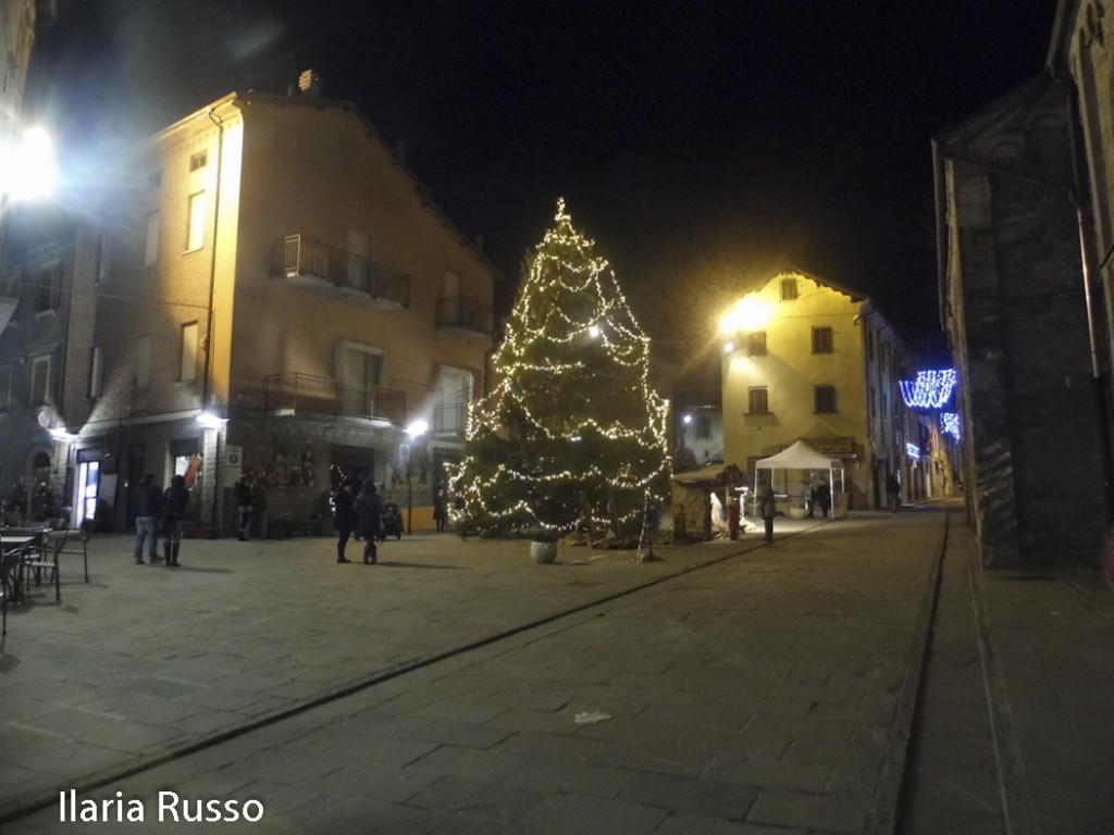 Natale (144) Berceto Albero accensione