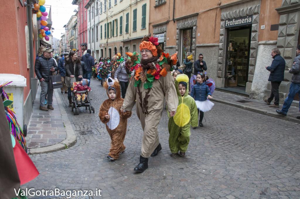 Carnevale Borgotaro (354) Sfilata asili