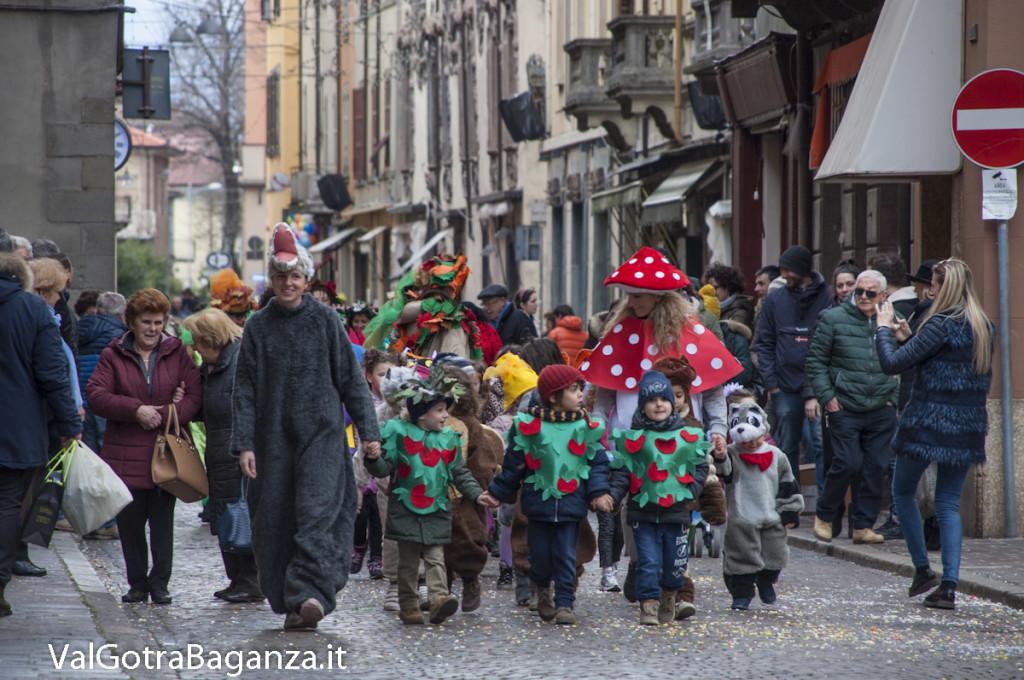 Carnevale Borgotaro (491) Sfilata asili