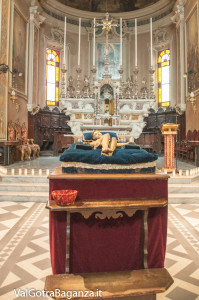 sabato-santo-pasqua-105-cristo-morto