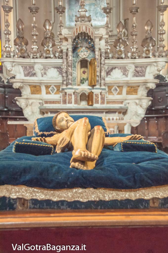 sabato-santo-pasqua-107-cristo-morto