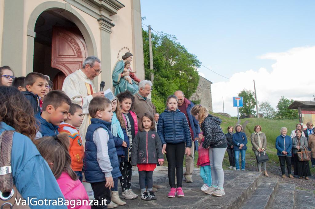 festa-alla-beata-vergine-di-pompei-288-benedizione