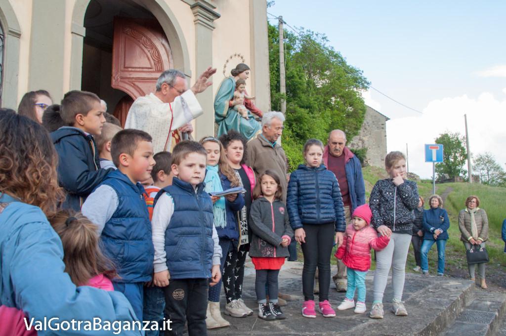 festa-alla-beata-vergine-di-pompei-289-benedizione