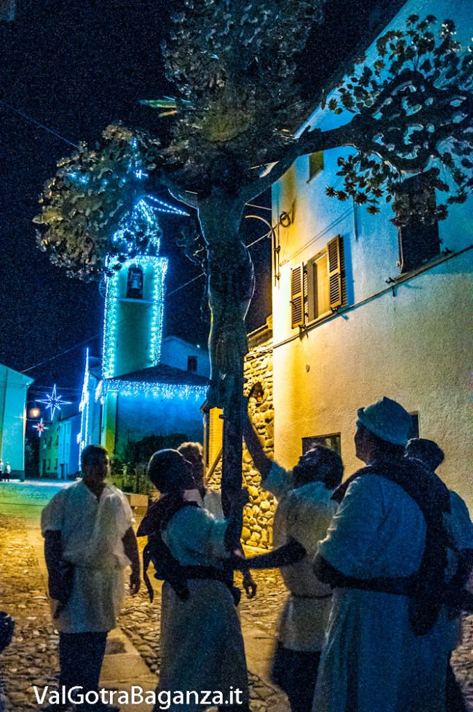 isola-compiano-193-processione