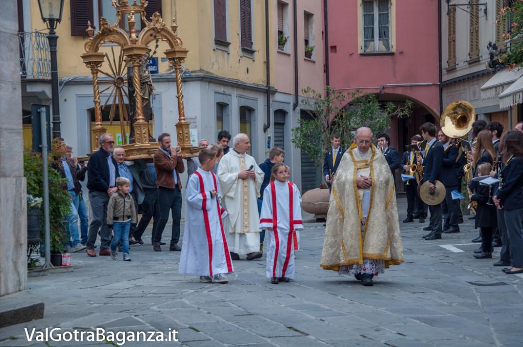 madonna-del-rosario-341-bedonia