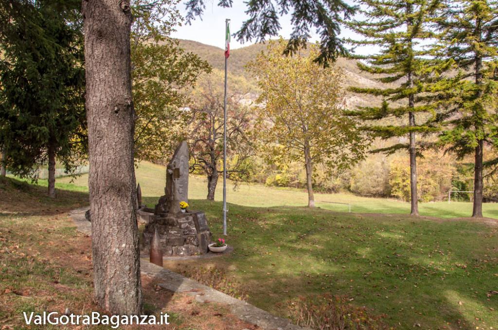 monumento-caduti-103-tiedoli-borgotaro