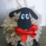 una-pecora-sullalbero