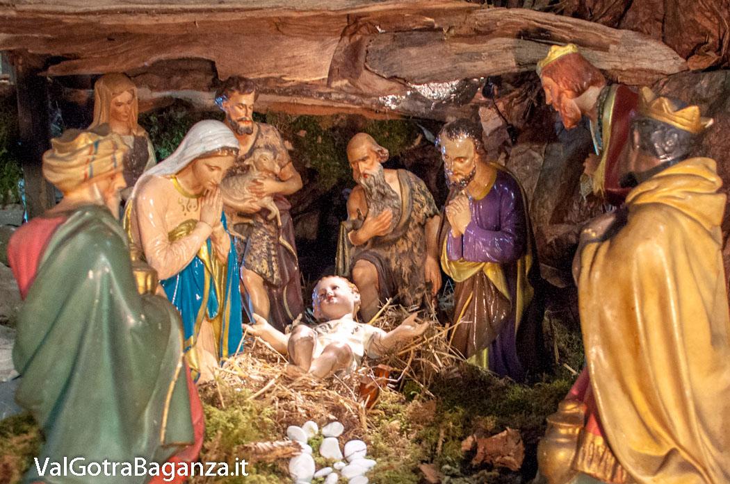 Borgotaro Pr Natale 2017 I Re Magi Nel Presepe Della Chiesa Di